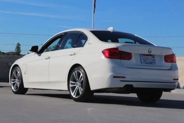 2017 BMW 3 Series WBA8E1C50HK479938