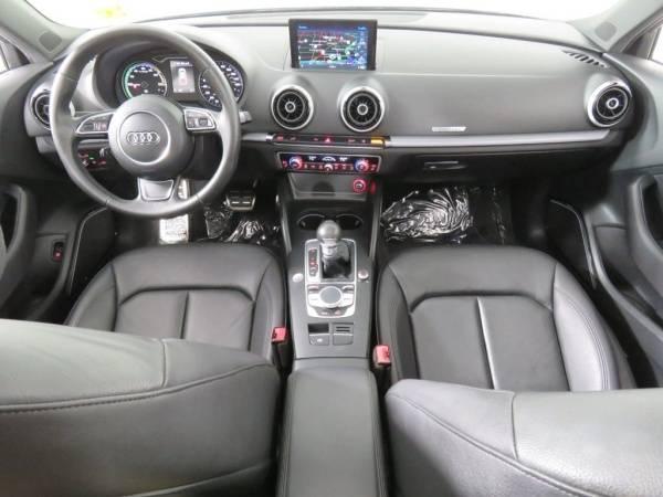 2016 Audi A3 Sportback e-tron WAUTPBFF4GA145432