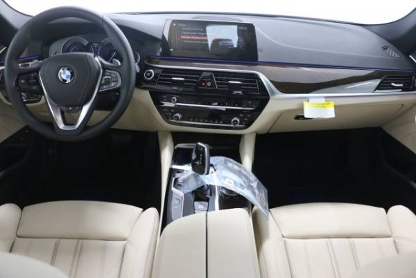 2019 BMW 5 Series WBAJB1C56KB376752