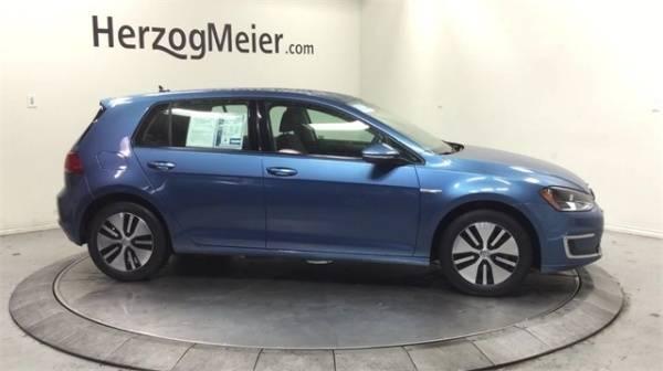 2016 Volkswagen e-Golf WVWKP7AU4GW915813
