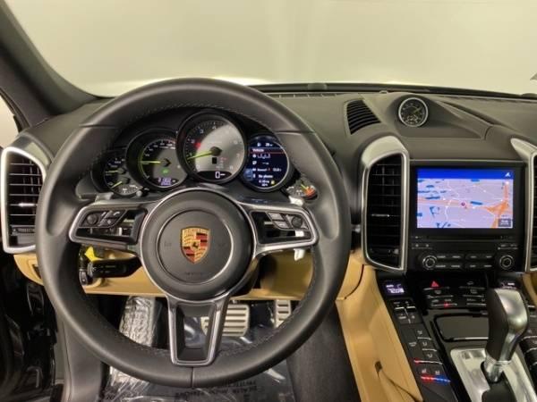 2018 Porsche Cayenne WP1AE2A26JLA70988