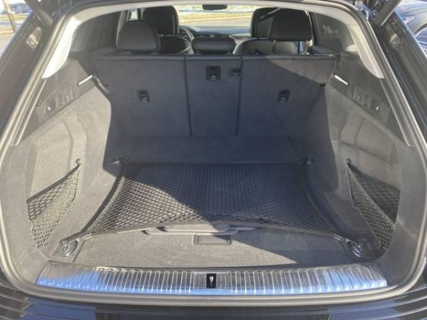 2019 Audi e-tron WA1VABGE4KB008992