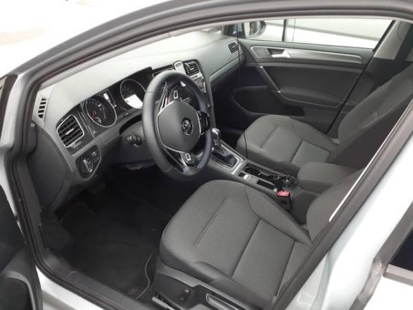 2019 Volkswagen e-Golf WVWKR7AU3KW909326