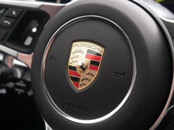 2018 Porsche Panamera WP0AE2A74JL177616