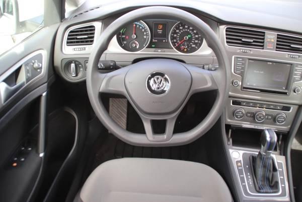 2016 Volkswagen e-Golf WVWKP7AU7GW915501