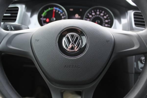 2016 Volkswagen e-Golf WVWKP7AU9GW915788
