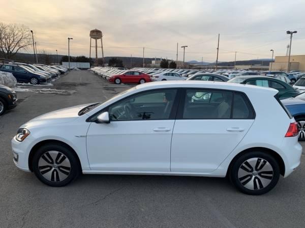 2016 Volkswagen e-Golf WVWKP7AU4GW913088