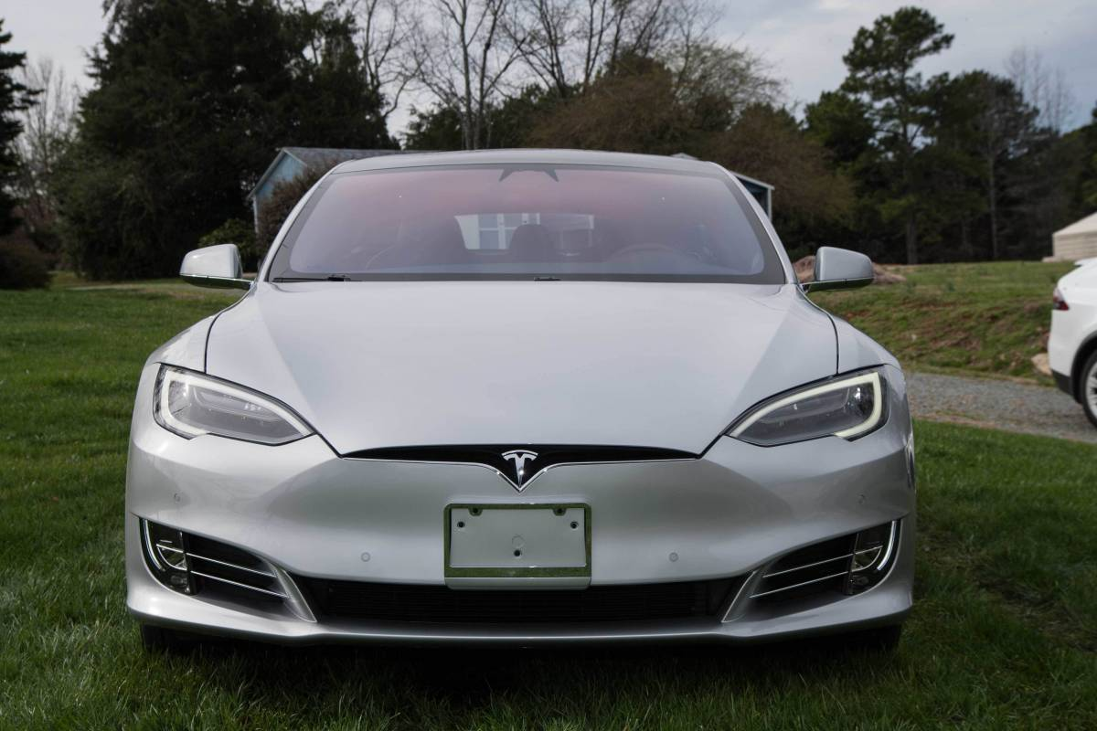 2018 Tesla Model S 5YJSA1E26JF254823