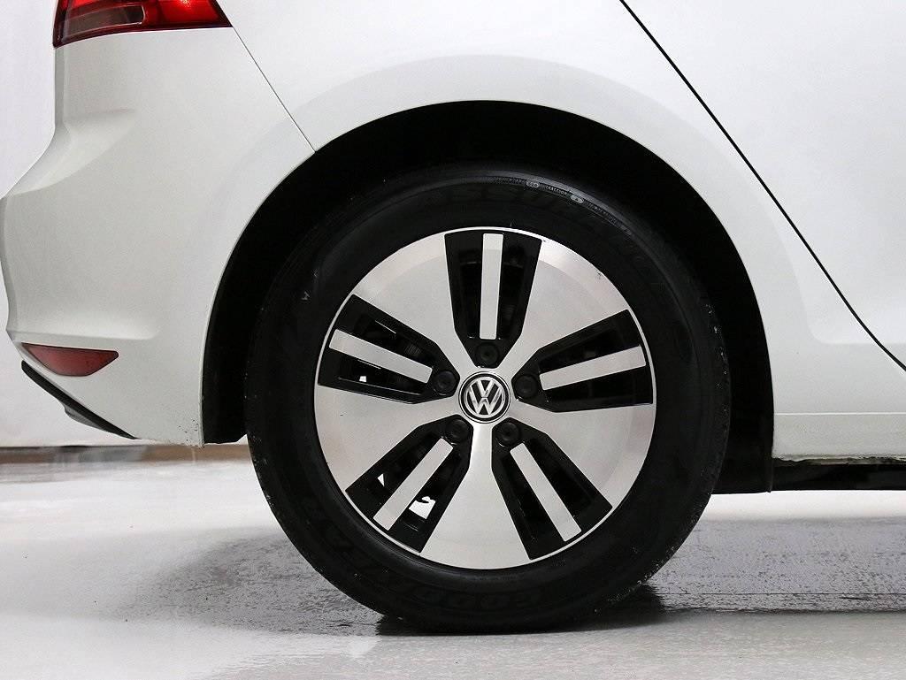 2016 Volkswagen e-Golf WVWKP7AU0GW911757