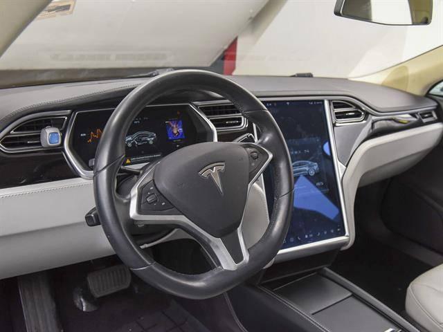 2014 Tesla Model S 5YJSA1H1XEFP32864