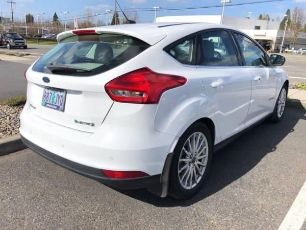 2016 Ford Focus 1FADP3R44GL374601