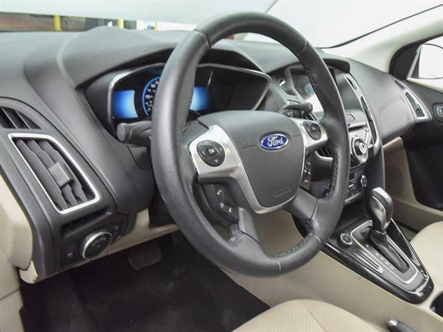2016 Ford Focus 1FADP3R42GL380431