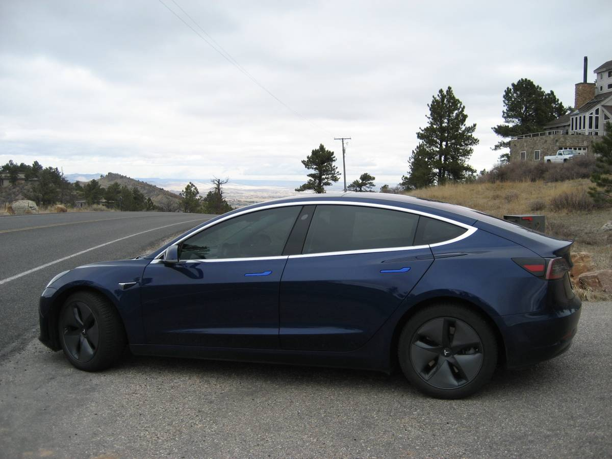 2018 Tesla Model 3 5YJ3E1EA3JF022955