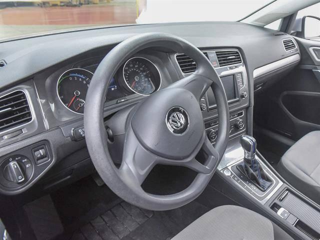 2016 Volkswagen e-Golf WVWKP7AU4GW916301