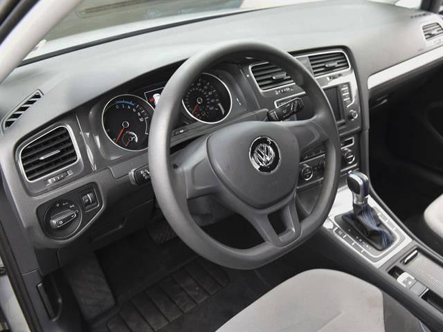 2016 Volkswagen e-Golf WVWKP7AU1GW917177