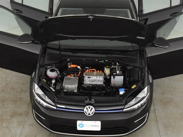 2019 Volkswagen e-Golf WVWKR7AU1KW919126
