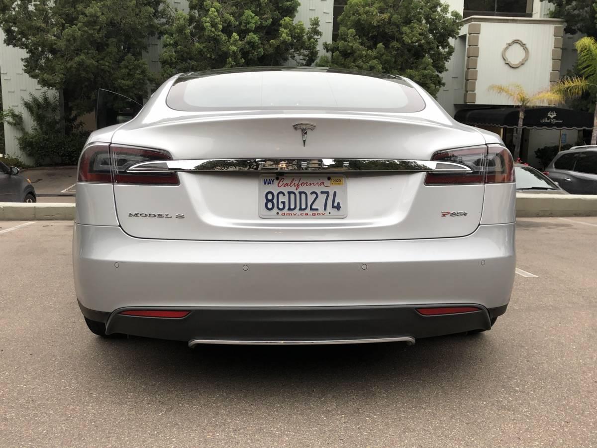 2013 Tesla Model S 5YJSA1DP9DFP17040