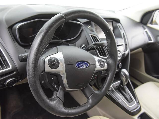 2015 Ford Focus 1FADP3R40FL227075