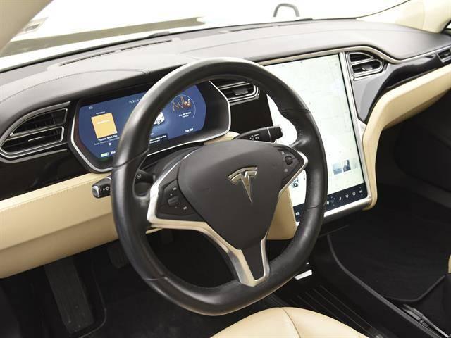2014 Tesla Model S 5YJSA1H1XEFP64357