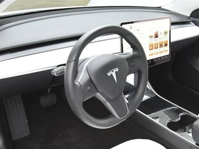 2019 Tesla Model 3 5YJ3E1EA0KF417757