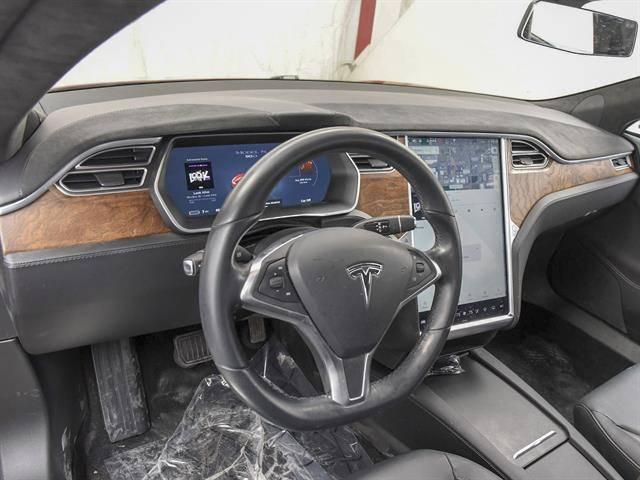 2016 Tesla Model S 5YJSA1E25GF161087