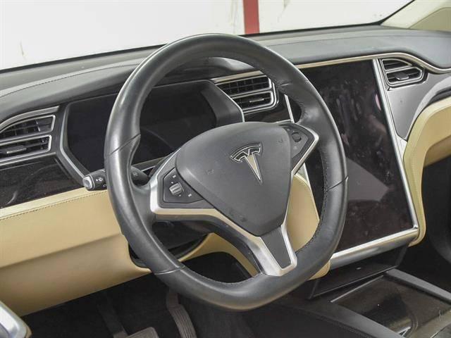 2016 Tesla Model X 5YJXCBE28GF023694