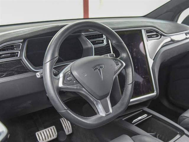2016 Tesla Model X 5YJXCAE46GF026685