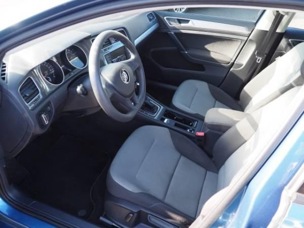 2016 Volkswagen e-Golf WVWKP7AUXGW914035