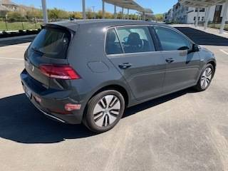 2017 Volkswagen e-Golf WVWPR7AU9HW950235