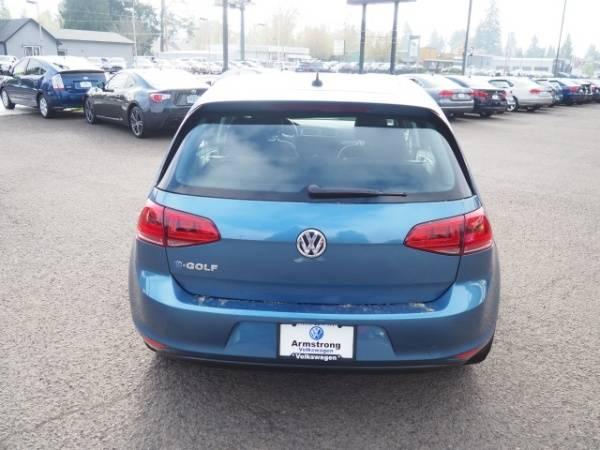2016 Volkswagen e-Golf WVWKP7AU2GW916765