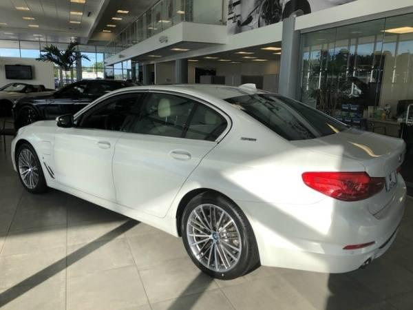 2019 BMW 5 Series WBAJA9C55KB393771