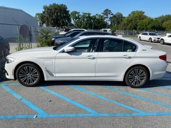 2019 BMW 5 Series WBAJA9C51KB393279