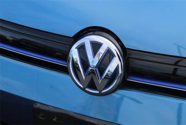 2016 Volkswagen e-Golf WVWKP7AU5GW913410