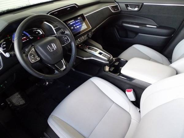2017 Honda Clarity JHMZC6F35HC000779