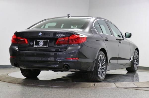 2019 BMW 5 Series WBAJB1C59KB376373