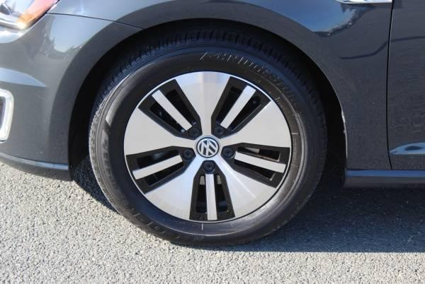 2016 Volkswagen e-Golf WVWKP7AU1GW917339
