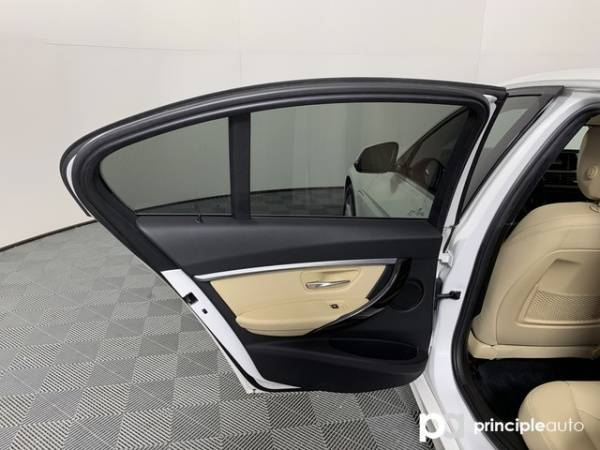 2017 BMW 3 Series WBA8E1C30HA029713