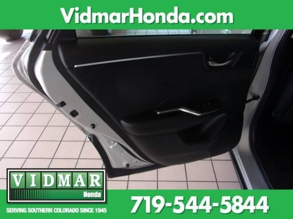 2018 Honda Clarity JHMZC5F30JC005923