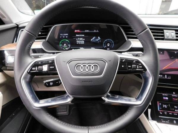2019 Audi e-tron WA1VABGE4KB009320