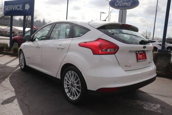 2016 Ford Focus 1FADP3R44GL372928