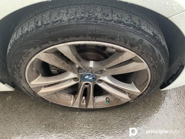 2017 BMW 3 Series WBA8E1C33HK895447