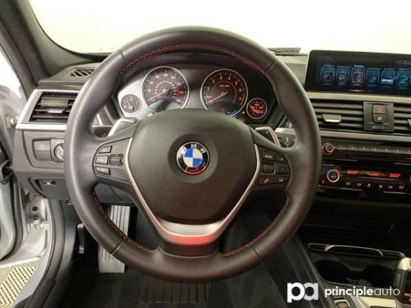 2017 BMW 3 Series WBA8E1C33HA029396