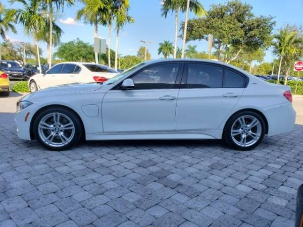2017 BMW 3 Series WBA8E1C30HA158938