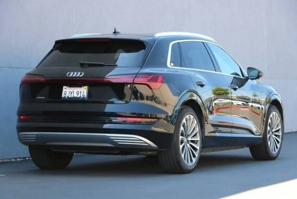 2019 Audi e-tron WA1VAAGE0KB006019