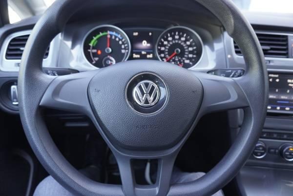 2016 Volkswagen e-Golf WVWKP7AU4GW915374