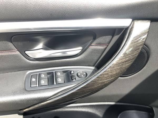 2017 BMW 3 Series WBA8E1C37HK895466