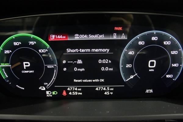 2019 Audi e-tron WA1VABGE1KB009517