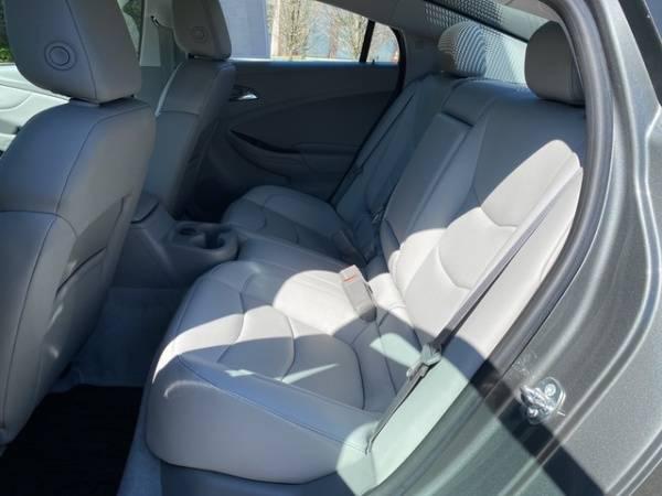 2017 Chevrolet VOLT 1G1RC6S53HU163636