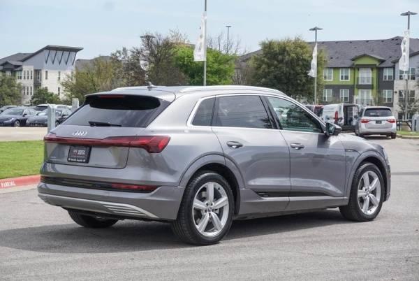 2019 Audi e-tron WA1LAAGE0KB010952