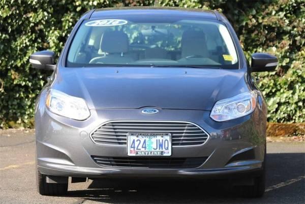 2016 Ford Focus 1FADP3R47GL388640